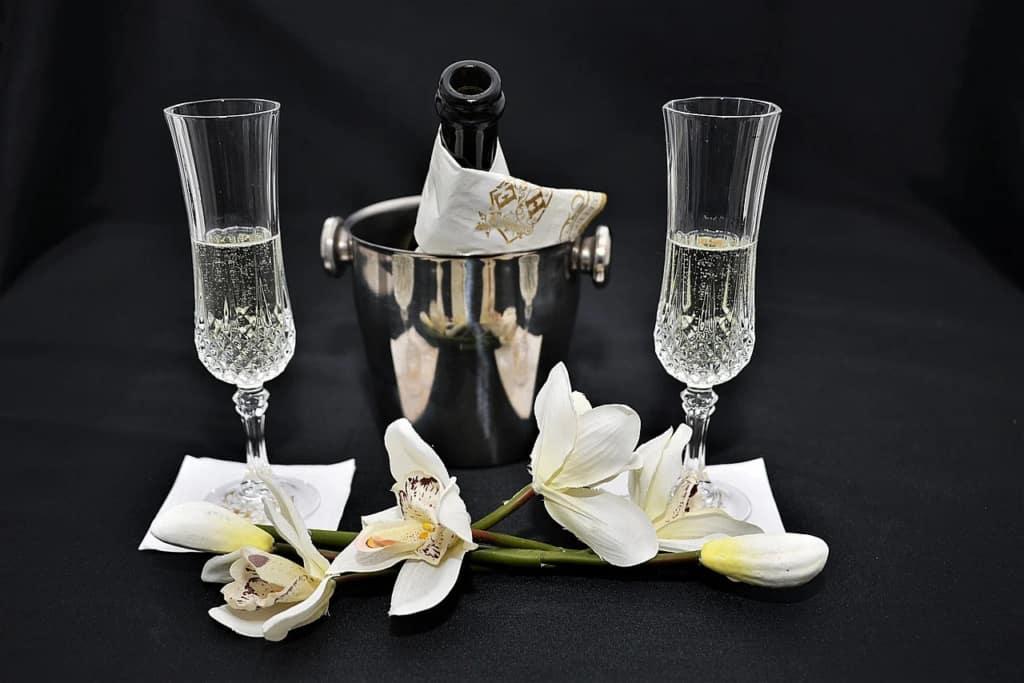 champagne-3033756_1280